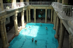 swimming-pool-612449-scaled